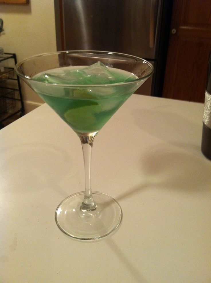 The Jade, a green, minty cocktail from The Unofficial Mad Men Cookbook ...