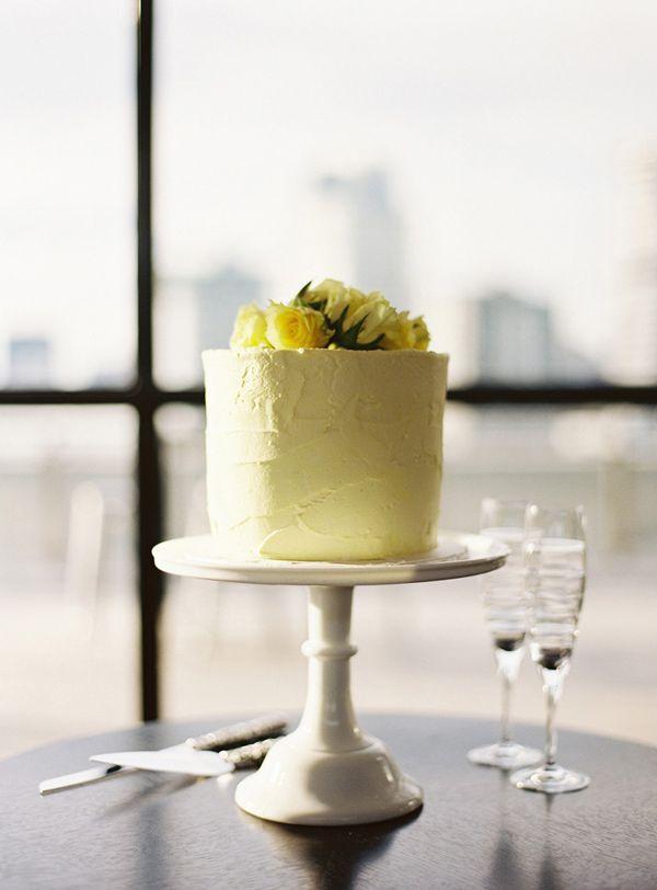 Yellow one-tier wedding cake