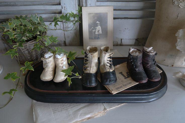 Petites chaussures anciennes , bottines  Brocante de charme atelier cosy.fr