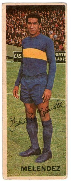 """Julio Meléndez Calderón fue ídolo de Boca Juniors llegando a convertirse en capitán y campeón de los torneos 1969 y 1970 del fútbol argentino. Por esos años la hinchada boquense solía cantar con fervor: """"y ya lo ve, y ya lo ve... es el peruano y su ballet"""". #futbolbocajuniors"""