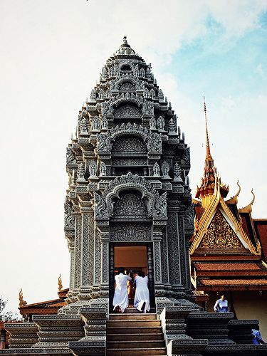 Silver Pagoda, Royal Palace, Phnom Penh (Photo Credit: Patrícia Almeida via Flickr) #Cambodia #Khmer #AncientHistory