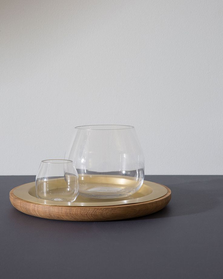 In clean, clear glass our Bulla vases combine soft curves with an angular opening.