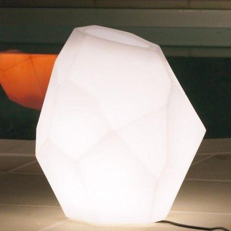 Pot de fleurs lumineux Ego Light #pot #jardin #fleur #lumineux #extérieur…