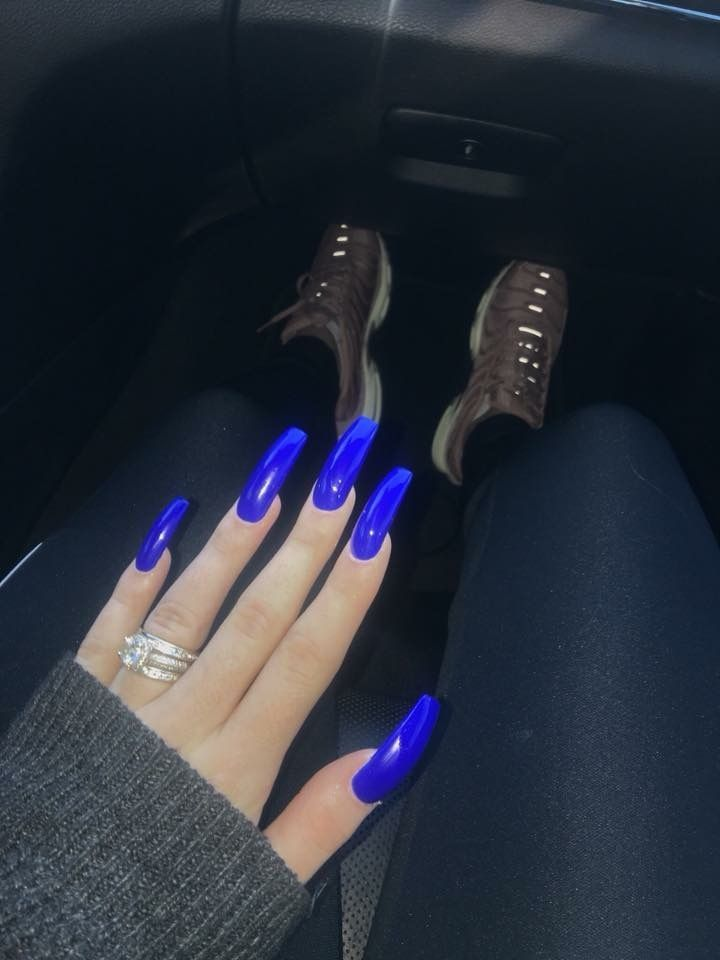 Pedicure Color Ideas For Summer 2020 Electric blue long acrylic manicure. Manicure color, pedicure