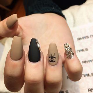 chanel nails ideas