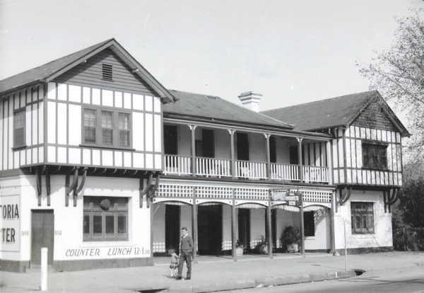 Old Bacchus Marsh hotel: Flanagan's/ Birder Inn.