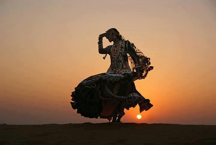 Absolutely gorgeous image of what I think is a Rajasthani dancer. (From the That Bohemian Girl tumblr; sorry for the bad source pin, but the theme the user has didn't have a permalink on it! sadface. )