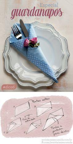 A função do guardanapo vai além de higiene e evitar respingos na roupa. Ele é peça coringa na decoração da mesa. Veja como dobrar em formato de cone, com minirrosas | Napkin