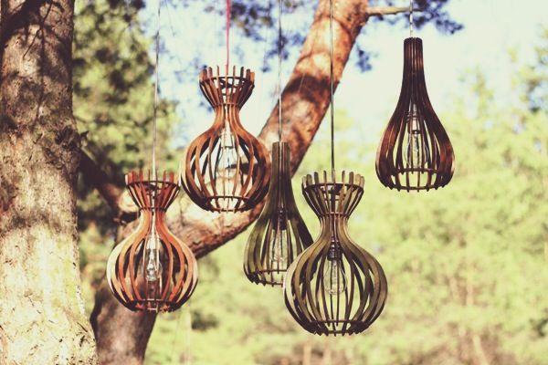 Ребро Вирия, или светильники из страны жар-птиц  http://tutdesign.ru/cats/object/16690-rebro-viriya-ili-rebristy-e-svetil-niki-iz-strany-zhar-ptits.html  Инженеры с научной степенью из Белгорода создают деревянные дизайнерские плафоны ручной работы>> #russiandesign #light