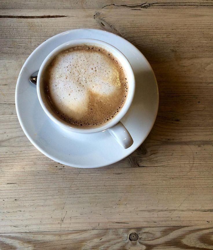 "363 mentions J'aime, 7 commentaires - Olga Seraya (@olga_seraya) sur Instagram: ""Bonne fin week-end ! #coffee  Возвращаюсь в Париж с 300 новыми фотографиями и пакетом швейцарского…"""