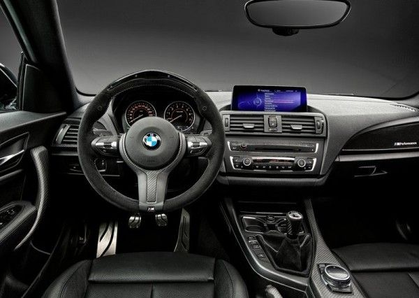 2014 BMW 2 Series Coupe with M Performance Parts Interior 600x426 2014 BMW 2 Series Coupe with M Performance Parts Review and Design