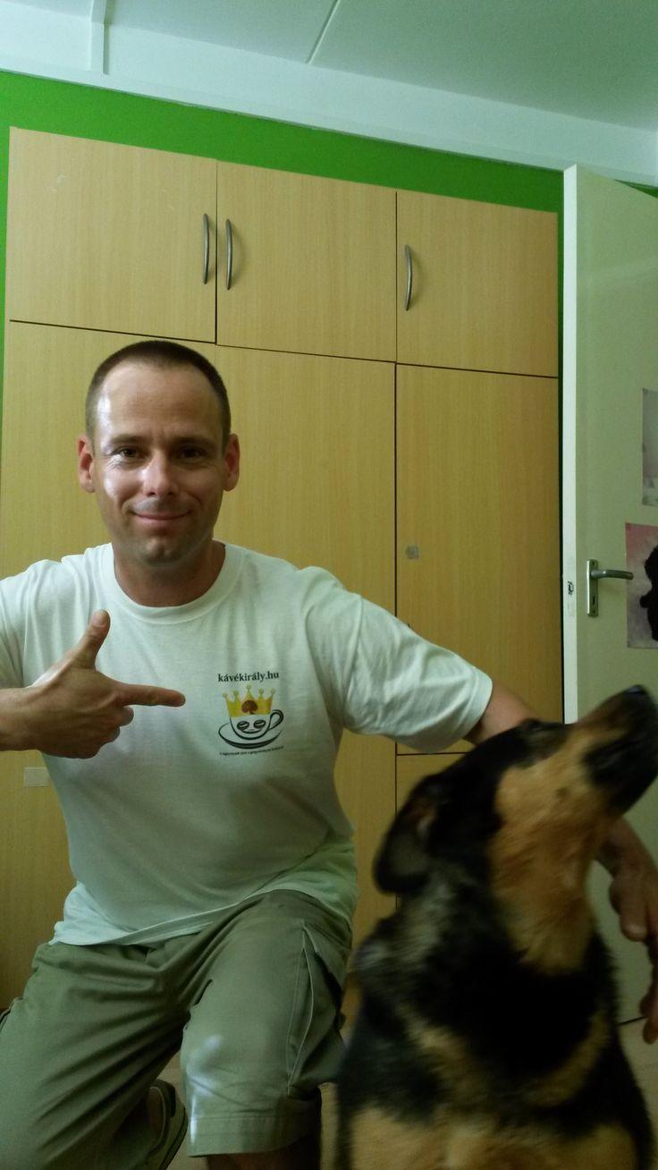 Frissesség, nyugodtság, jókedv - első tapasztalataim a DXN Ganoderma gyógygombás kávé-különlegességekkel: http://www.kavekiraly.hu/blog-2013-11-21-Frissesseg__nyugodtsag__jokedv_-_elso_tapasztalataim_a_DXN_Ganoderma_gyogygombas_kave-kulonlegessegekkel