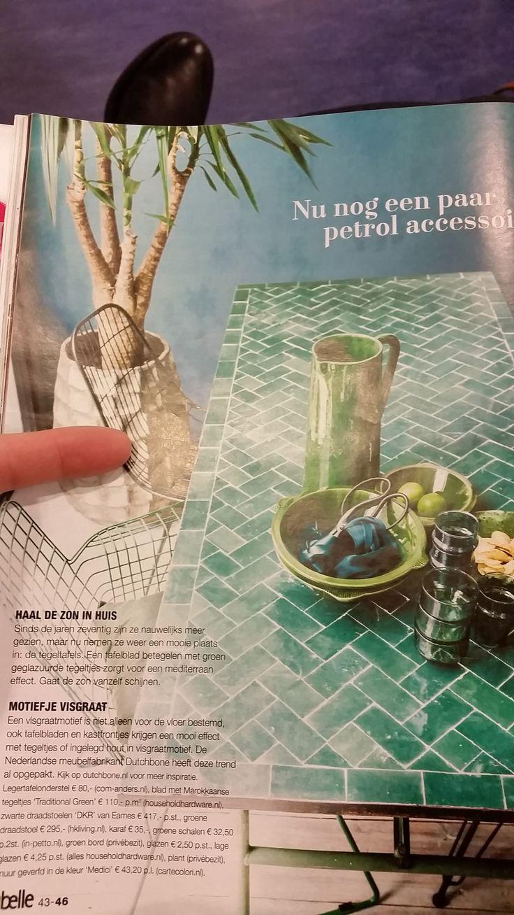 Deze zelfgemaakte tafel stond in een Libelle die ik ergens tegenkwam. Snel een foto gemaakt. Wat een ontzettend leuk idee. Zelf een tafelblad versieren met Marokkaanse tegels. Maar vooral deze glanzende tegels zijn mooi. Moroccan tiles on table mosaic