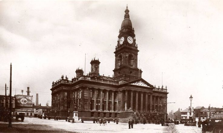 Bolton Town Hall. 200 architects were invited to compete for the design contract. The 6 finalists were placed in order of merit by Thomas Leverton Donaldson, President of the Royal Institute of British Architects.Ellis & Hinchcliffe of Manchester were appointed as contractors, work began in 1866