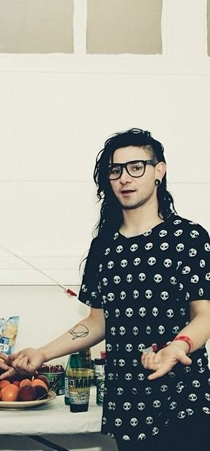 Sonny Moore - Skrillex - long hair man