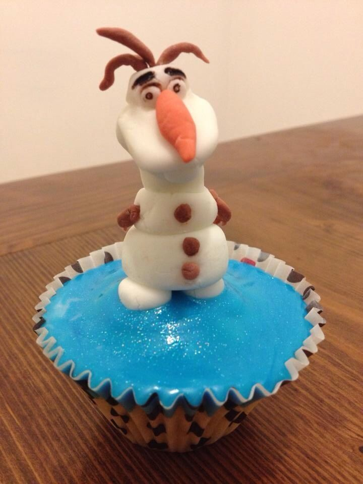 #Frozen inspired #Olaf #cupcakes with character