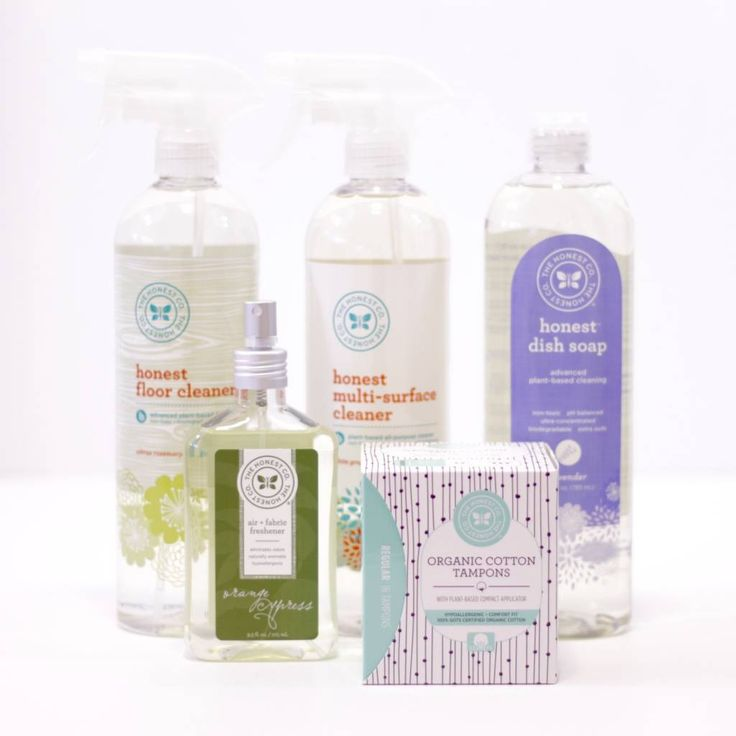 Reviewing The Honest Company Essentials Bundle for December 2015, a Monthly Subscription Box of Safer, Affordable, Eco-Friendly Products that are also Really Gorgeous.