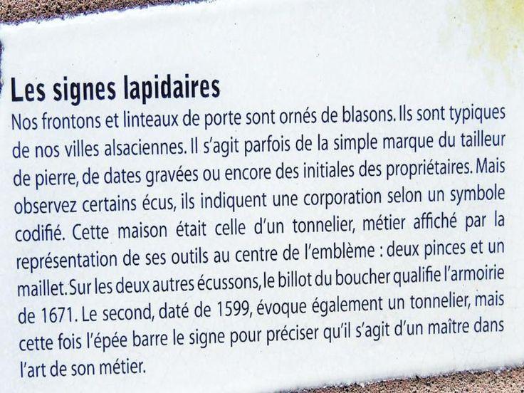 Eguisheim: Informatie over lapidaire tekenen (© Jean Espirat)…