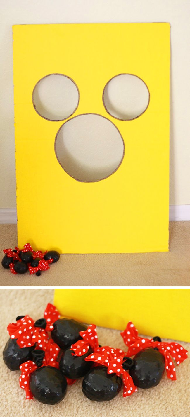 Mickey Mouse party beanbag toss