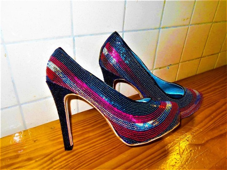 Women's Beautiful Whats Hot Multi Colored Sequin Dress Shoes Worn Once #WhatsHot #Stilettos #ClubwearPartyFormal