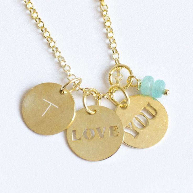Collar de oro love you y 2 iniciales. Regalo San Valentín.
