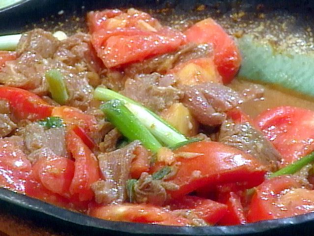 Beef with Scallions, Tomato, and Ginger from FoodNetwork.com
