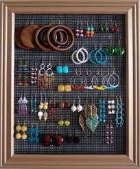Résultats Google Recherche d'images correspondant à http://www.shelterness.com/pictures/storing-jewelry-on-walls-10.jpg