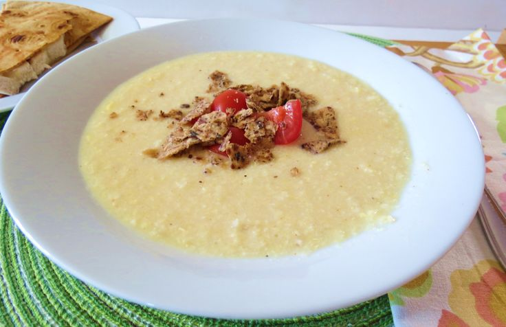 Corn Chowder - A creamy healthy soup made with fresh corn and spices.