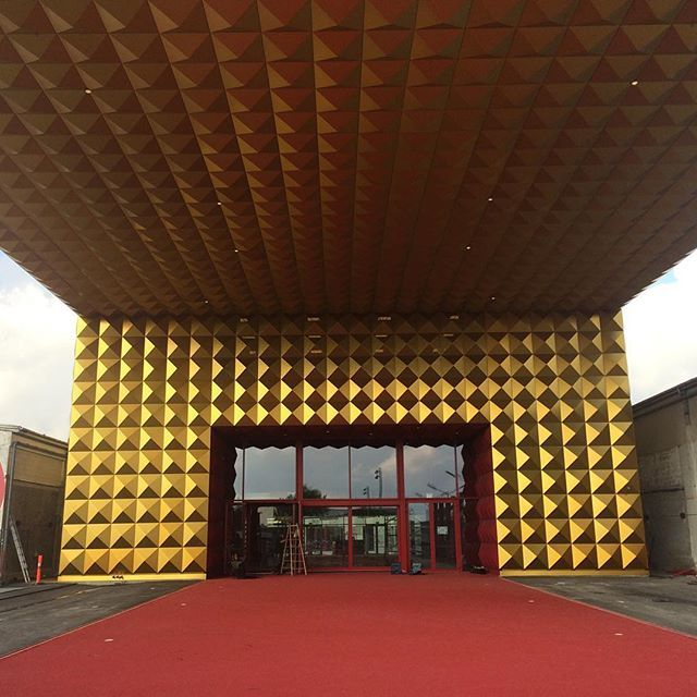 The Entrance of the RockMuseum...via a red carpet of course! #rockmagnet #Roskilde #mvrdv