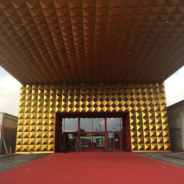 The Entrance of the RockMuseum...via a red carpet of course! #rockmagnet #Roskilde #mvrdv