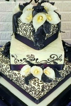 purple and Black Wedding CakeIce Design, Black Weddings, Colors, Flower Tho, Cake Ideas, Anniversary Cakes, Big Fans, Black Wedding Cakes, Gorgeous Cake