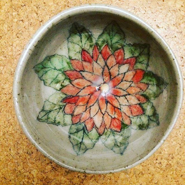 Pottery art by Roya Klingner #ceramic #pottery #artist #freising #bayern #keramik #landshut #keramikerin #potterywheel #instapotter #japan #vietnam #clay #handmade #design #designpottery #idea #flower #kunstwerk #munich #wheeltrown #ceramics #stoneware #ceramicart #dahlien #museum #moosburg