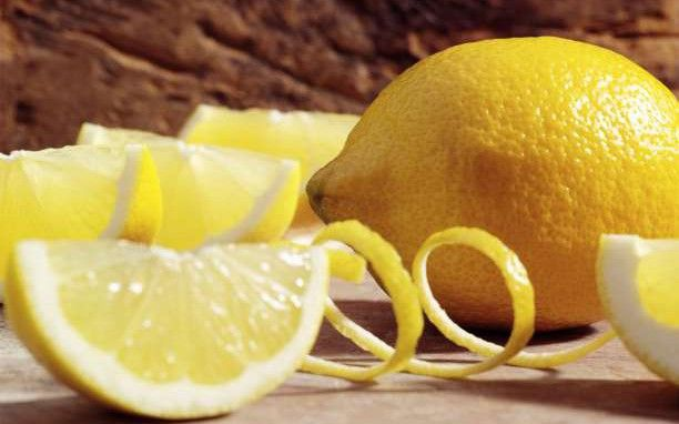 10 κρυμμένες θεραπευτικές ιδιότητες των λεμονιών