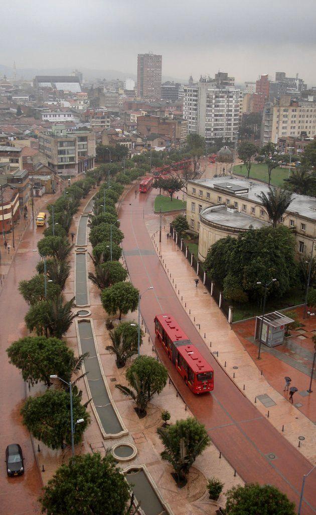 Eje Ambiental - Bogota, Colombia del otro lado de la capital.