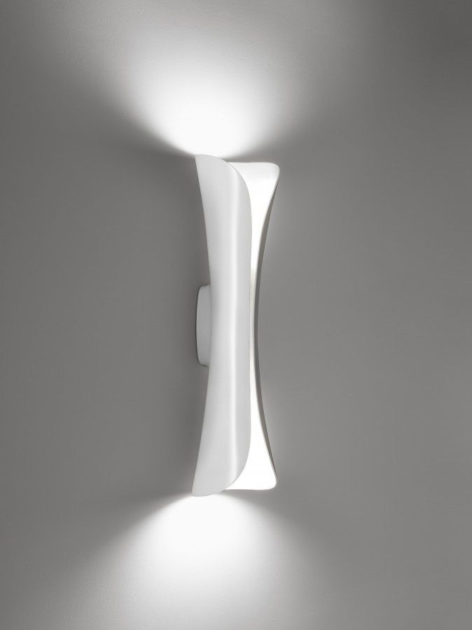 Cadmo LED Wall Light White / White Inside By Artemide   Design Furniture  And Decoration With Made In Design