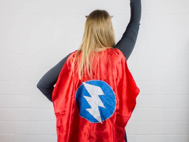 DIY-Anleitung: Superhelden-Cape nähen via DaWanda.com