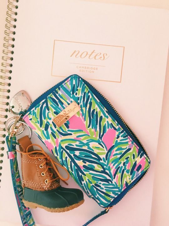 #LillyPulitzer blue floral wristlet and #LLBean boot keychain