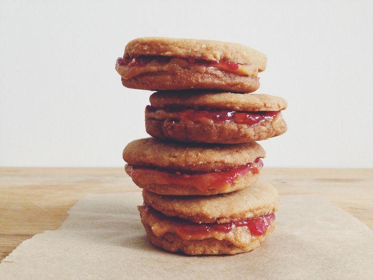 vegan peanut butter & jam sandwich cookies | RECIPE on hotforfoodblog.com