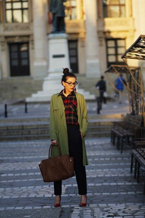 Pantalonii office cu talie înaltă - Stil și eleganță - Ramona Cervenciuc