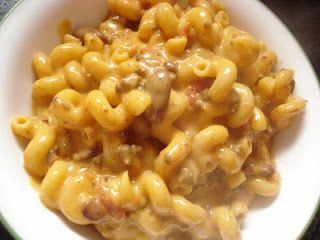 DIdn't make the chili recipe...had my own left over chili.  Tasty dish. Cassie Craves: Chili Mac and Cheese