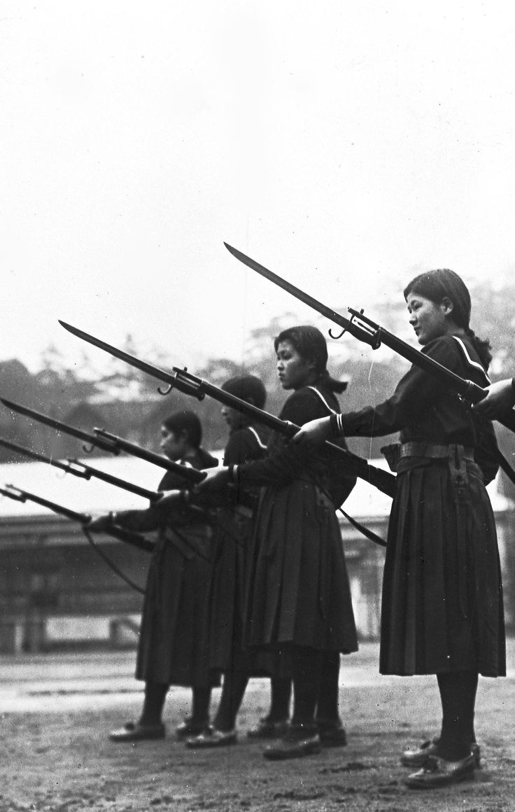 fnhfal: Japanese high school girls training with Arisaka ...