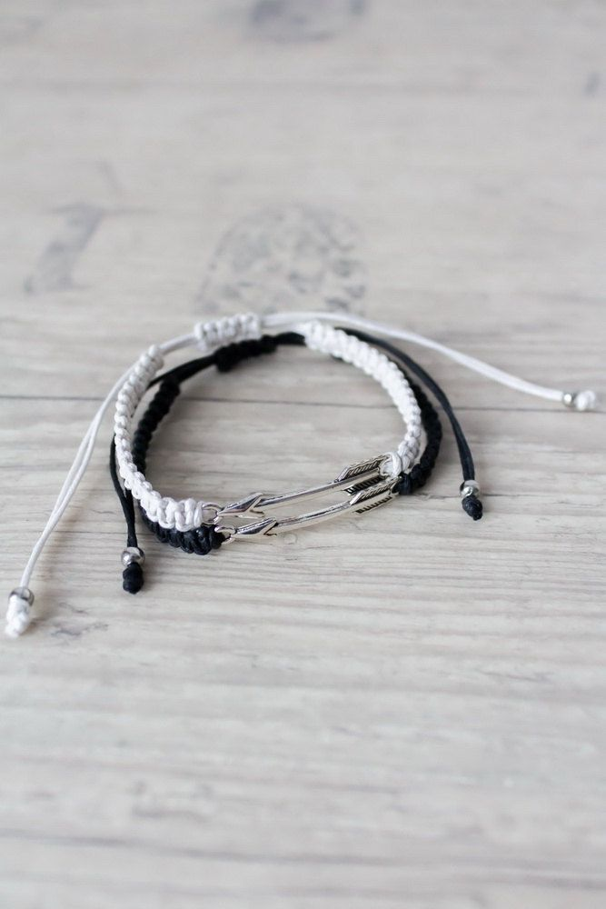 Black and white arrow bracelets Couples set His and her bracelet Friendship bracelet set Best friend gift Matching couple bracelets Set of 2 by ElvishThings on Etsy