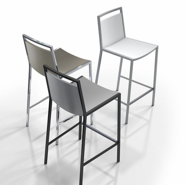Concept bar stool. Lacquered seat, different frame finishes. Available in a variety of colours.