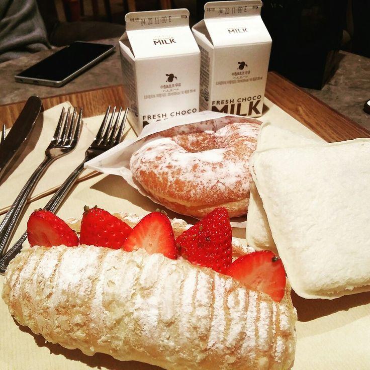 파리바게뜨 ❣ bread + milk = love