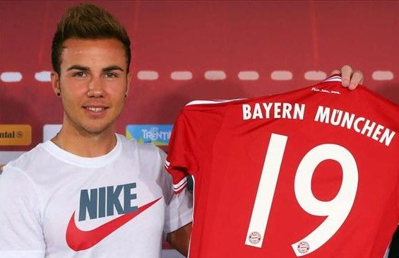 Download free videos of Mario Gotze.
