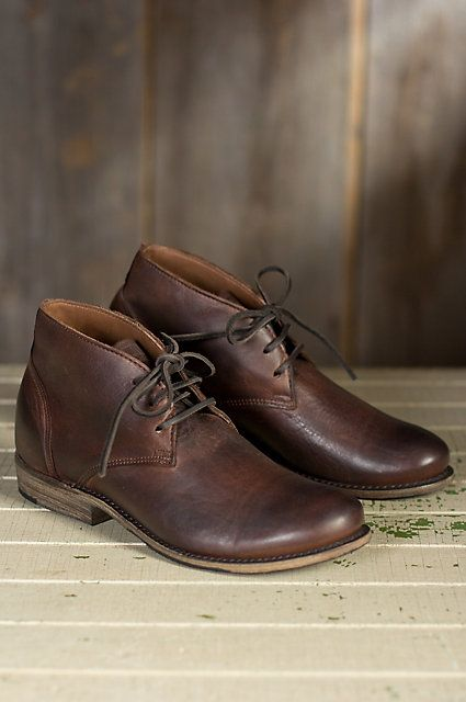 With its origins in the polo shoe of the 1800s, the rebirth of the Chukka Boot in the mid 1900s created a casual classic. The Vaughn Lace Chukka Boot is handcrafted of washed harness leather and suede with a rubbed, worn texture adding just the right finish  to your work or leisure wardrobe. Leathe