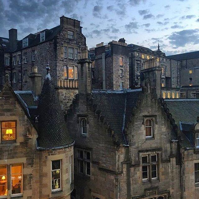 Edinburgh, United Kingdom Sent @samellis1993 #edinburgh #uk #travel #europe #scotland #cities__world #эдинбург #великобритания #шотландия #туризм #европа #