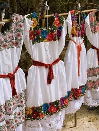 Tradiciones de la boda | vestidos bordados mexicanos indígenas mayas