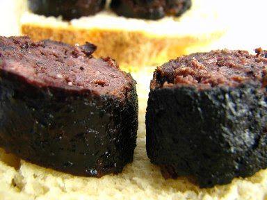 Cinco Quartos de Laranja: 4 por 6: morcela assada e sopa de feijão encarnado com couve