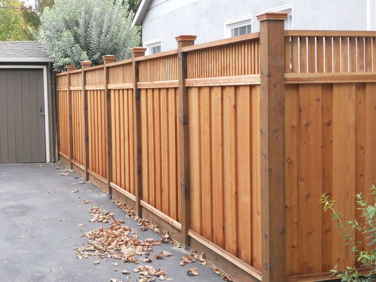 best 25 wood privacy fence ideas on pinterest backyard fences wood fences and fence ideas. Black Bedroom Furniture Sets. Home Design Ideas